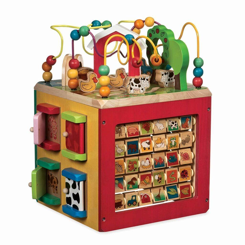 5. 帮助孩子认识各种类型动物的益智玩具 Wooden Activity Cute - Discover Farm Animals Activity Center For Kids