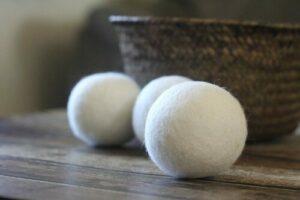节省你烘干衣服时间的羊毛干燥球