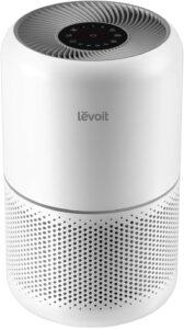 Levoit Core 300 价格在100美元以下最佳的便携式空气净化器