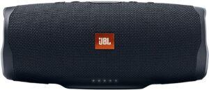 适合出门携带的蓝牙音箱 JBL Charge 4