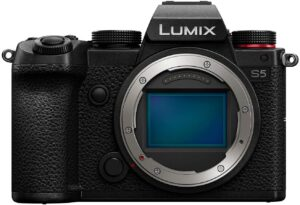具有出色视频规格的便携式全画幅VLOG相机 Panasonic LUMIX S5 Full Frame Mirrorless Camera