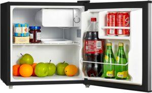 最佳预算型柜式迷你冰箱 Midea WHS-65LSS1, 1.6 Cu. Ft. Compact Refrigerator