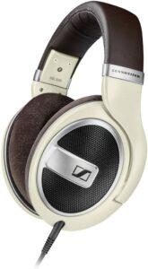 很适合PC端游戏的耳机:Sennheiser HD 599