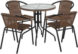 不带坐垫的圆玻璃桌和藤制可堆叠的椅子 Flash Furniture 28'' Round Glass Metal Table with Stack Chairs