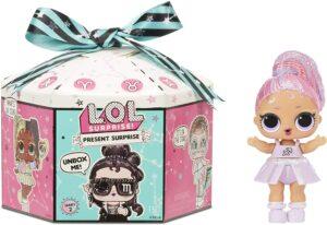 小女孩十分喜爱的LOL玩具:主题娃娃 LOL Surprise Present Surprise Series 2 Glitter Shimmer Star Sign Themed Doll with 8 Surprises
