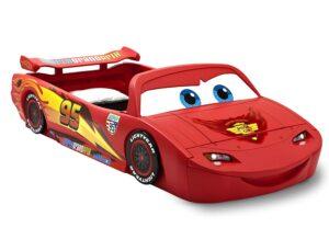 带灯光和玩具盒Disney Pixar Cars儿童床