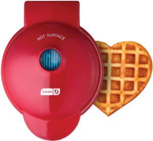 最小巧的适合单人使用的华夫饼机 Dash Machine for Paninis, Hash Browns, & other Mini waffle make