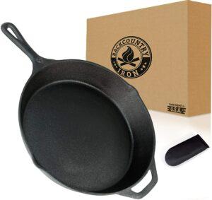 最通用的铸铁锅,适用于很多烹饪表面 Backcountry Cast Iron Skillet
